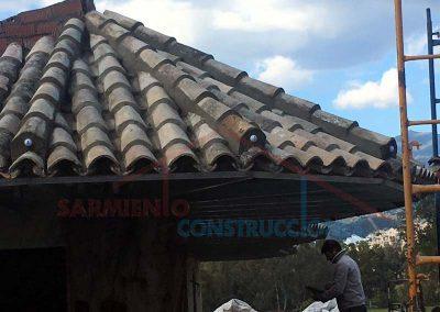 Techo con tejas del Quiosco Cafetería