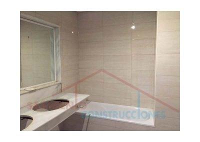 cuartos-bano-terrazas-habitaciones-hotel-atalaya-estepona-malaga-04