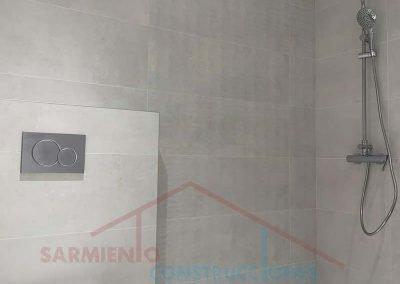 remodelacion-cuato-bano-plato-ducha-obra-otorrino-marbella-1